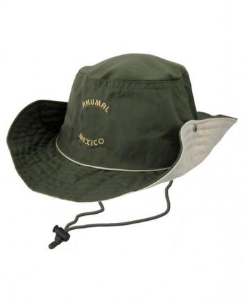 Sombrero con cordón y broche
